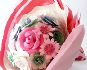 Handmade-Paper-Flowers-in-Gift-Wrap2